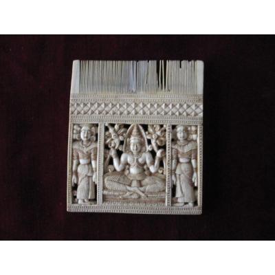 Peigne Sculpté En Ivoire. Inde Ou Sri Lanka XVIIIe Siècle