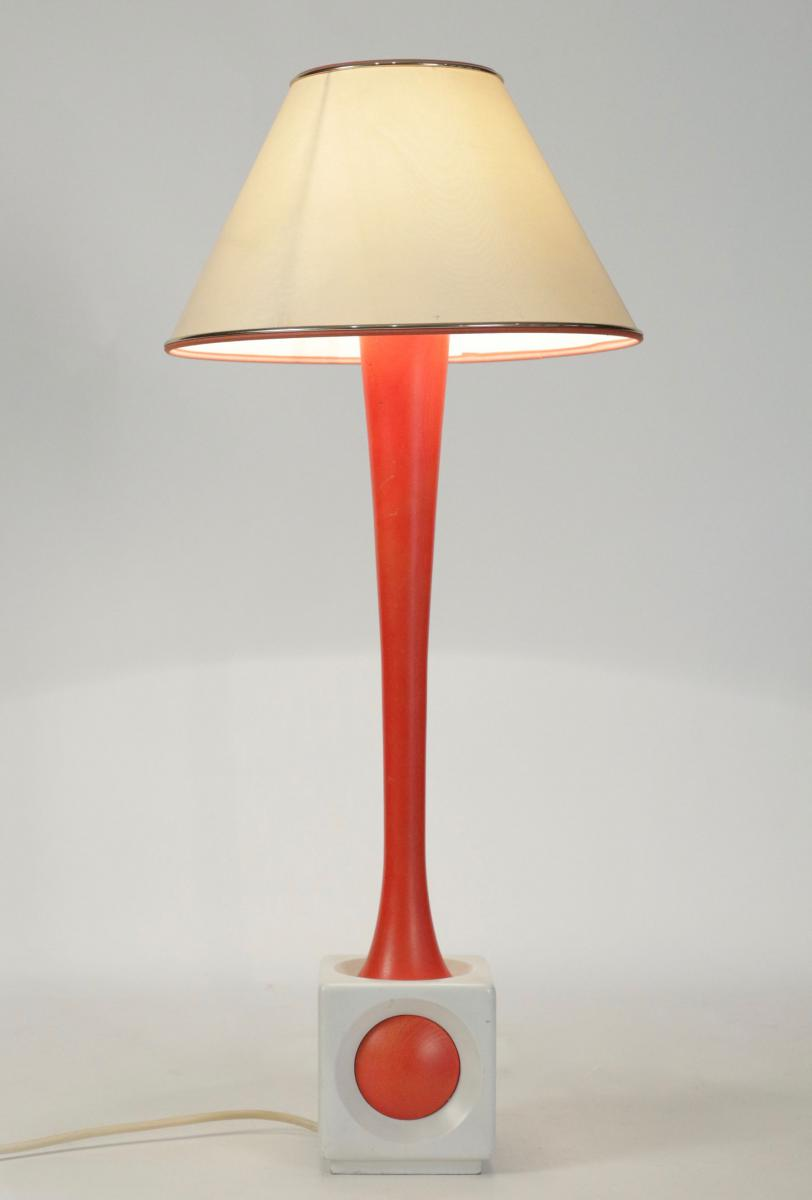 lampe en bois peint orange et blanc ann e 1960 lampes. Black Bedroom Furniture Sets. Home Design Ideas