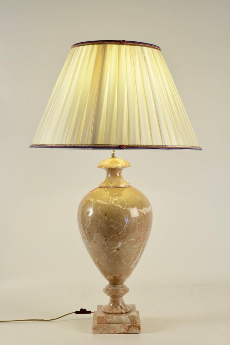 Lampe en marbre, XXème siècle