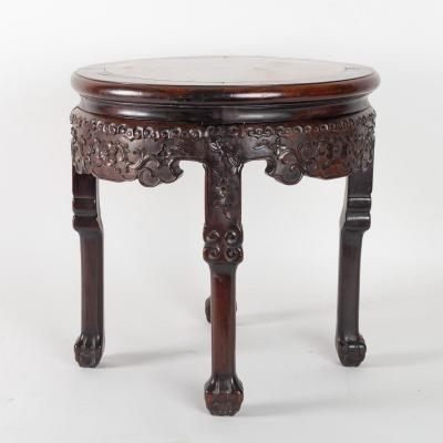 Petite Table En Bois Exotique Très Dense Sculptée De Motifs Floraux. Chine, XIXème Siècle