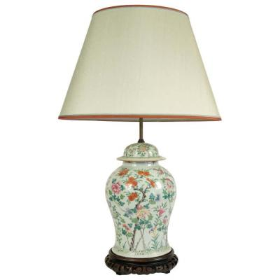 Important Chinese Porcelain Lamp, Late 19th Century Or Early 20th Century.