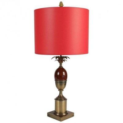 Lampe Des Années 1960 En Laiton Et Résine De Couleur Rouge Dans Le Goût De Charles.