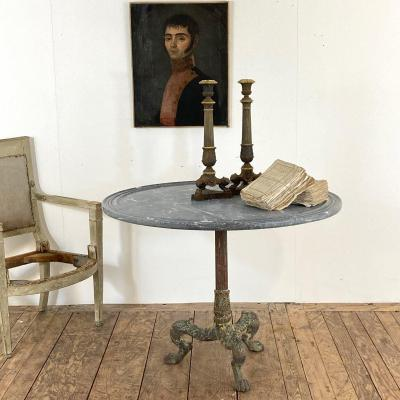 Pedestal Table In Cast Iron XIX