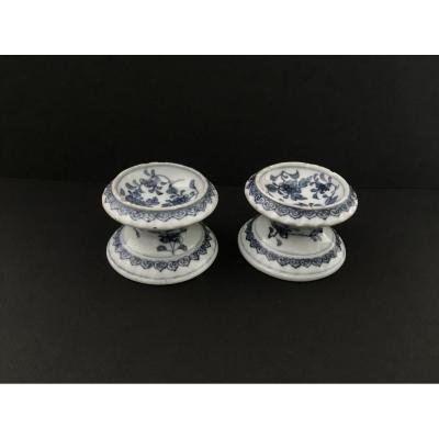 Paire De Salerons En Porcelaine De Chine Début 18 ème Siècle