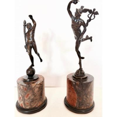 Paire De Statuettes En Bronze à l'Antique XIX ème Siècle