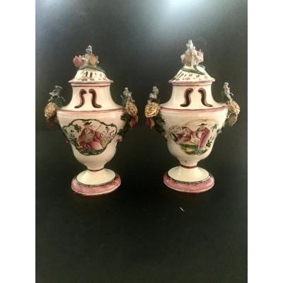 Paire De Vases pots pourris  En Faïence De Moustiers XVIIIème Siècle