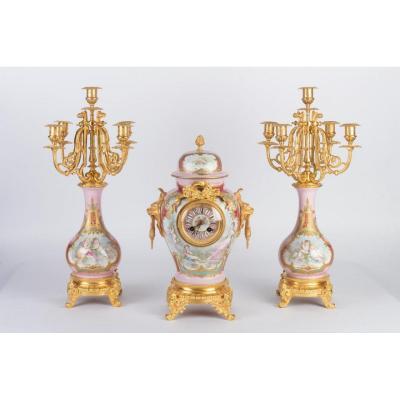 Garniture De Cheminée  En Porcelaine Et Bronze Doré Fin 19ème