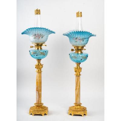 Paire De Lampes En Verre Opaline Bleu Et Colonne En Marbre, XIXème Orientaliste.