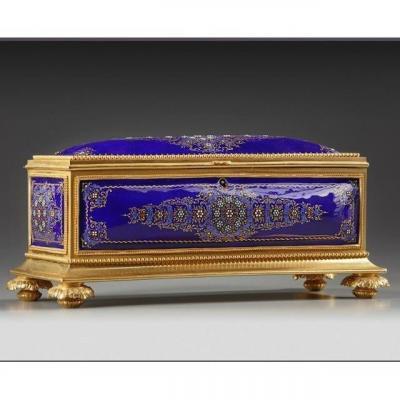 Belle Boîte En Bronze Doré Et émail Bleu 19ème, style Louis XVI