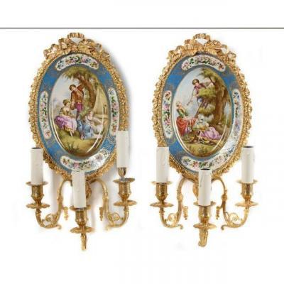 Paire d'Appliques En Bronze Doré Et Tableau En Porcelaine De Sèvres Forme Ovale 19ème