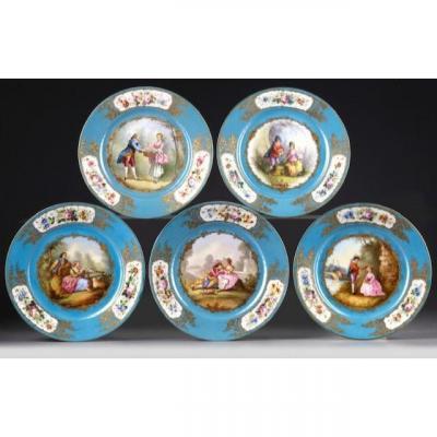 Ensemble De Cinq Assiettes En Porcelaine Bleu Ciel Signées Sèvres ; XIXème.