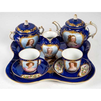 Service De Thé et Café En Porcelaine Bleu Signés Sèvres début XXème Siècle