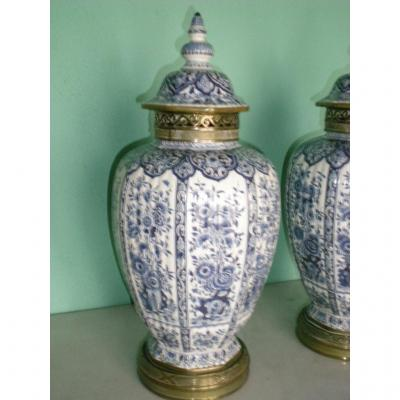 Paire De Vases à Couvercle Delft