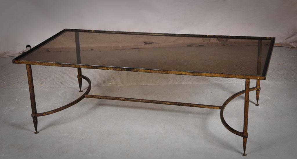 Table basse en fonte et verre fum dans le go t de la - Table basse verre fume ...