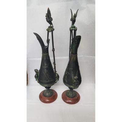 Paire d'Aiguières En Bronze Patiné Entourage De Ferdinand Barbedienne