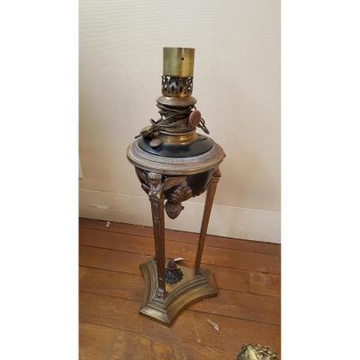 Lampe à pétrole de forme athénienne en bronze ciselé doré st