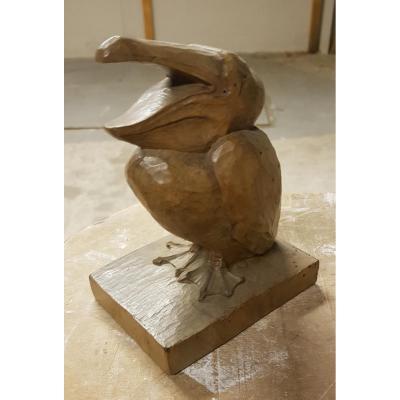 Sculpture En Taille Direct figurant Un Pélican En Noyer