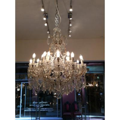 Italian Crystal Chandelier With 18 Lights