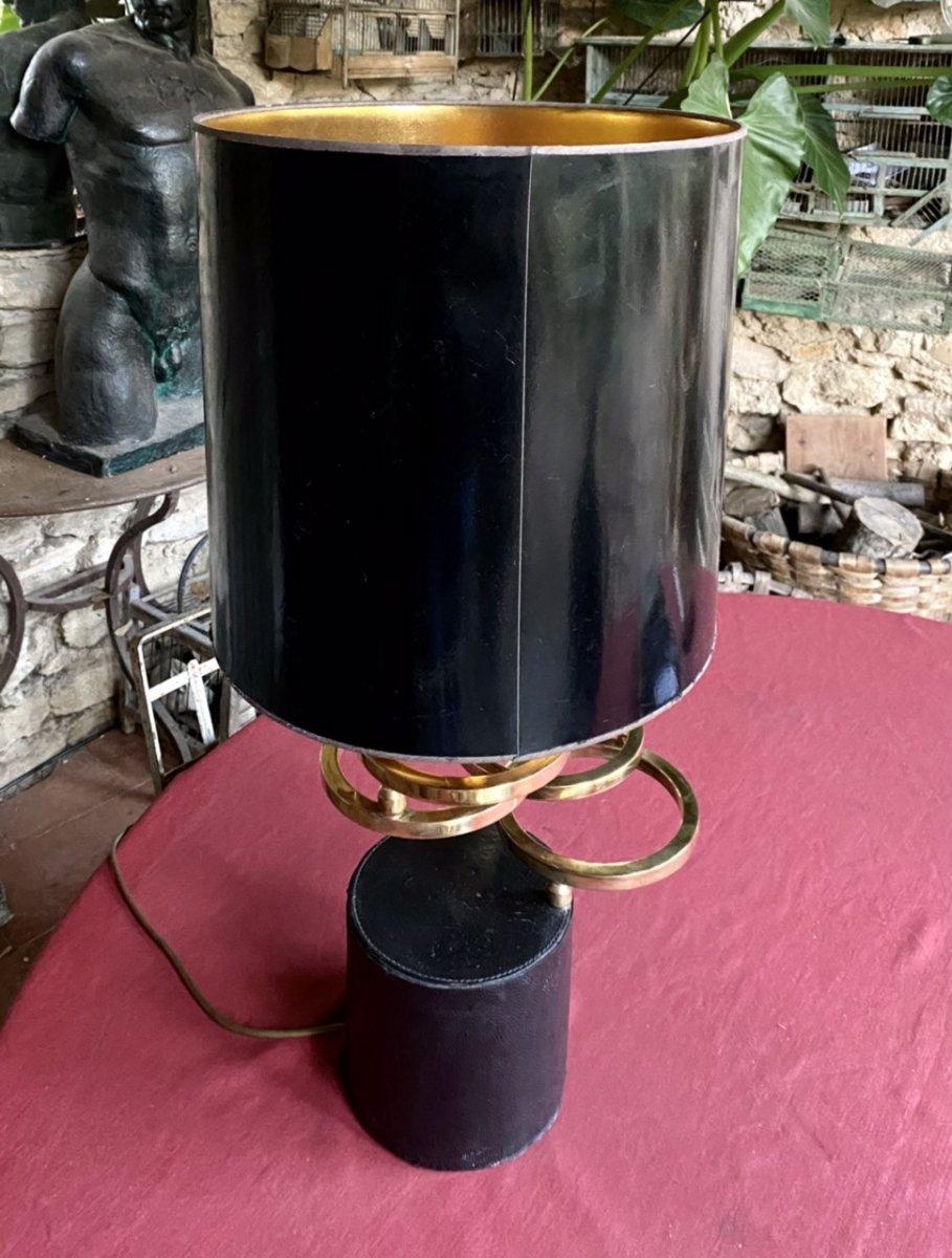 Lampe Design Des Années 70  Sur Un Socle Cuir Noir Avec  Des Anneaux En Laiton Dorés -photo-3