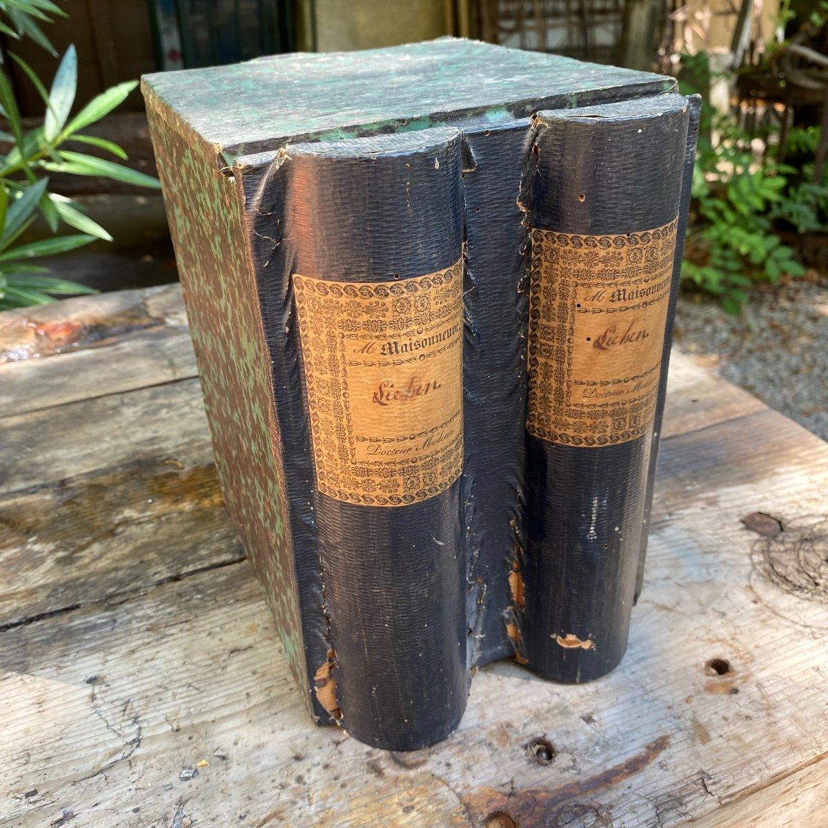 Boîte à Archives En Trompe-l'œil De Livres