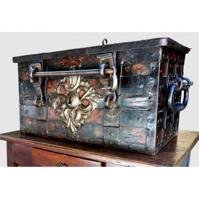 Full Corsair Safe With Its Bar, Seventeenth Century