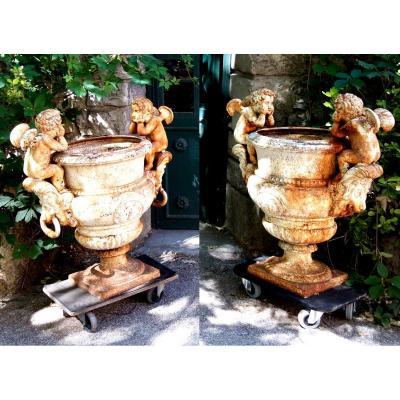 Pair Of Medici Vases With Cherubs, 1 Meter