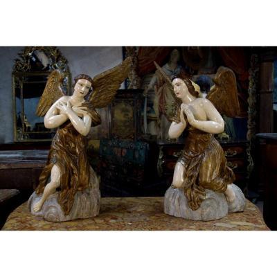 Paire D'anges En Bois Polychromé, XVIIIe