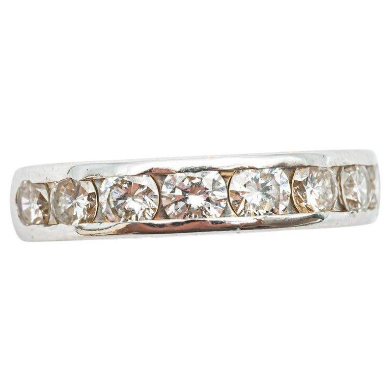 Bague De Fiançailles En Or Blanc 18 Carats Avec 8 Diamants De 0,16 Carats