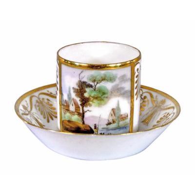 Tasse et sa Soucoupe en Porcelaine de Paris - Manufacture de Locre - Ep. Debut XIXe