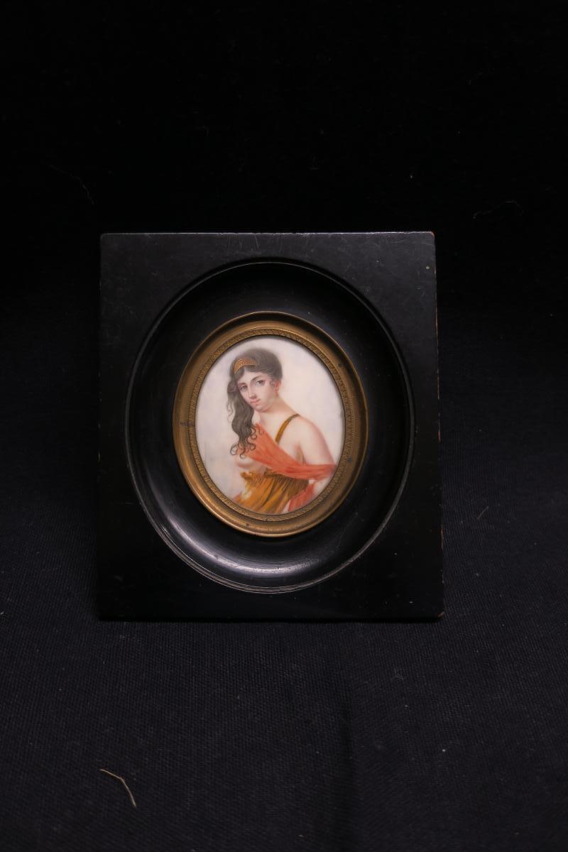 Miniature :femme à l'épaule Dénudée .-photo-2