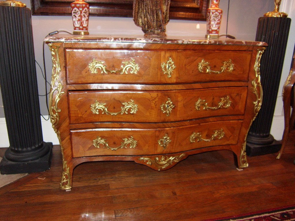 Commode Louis XV Marquetée