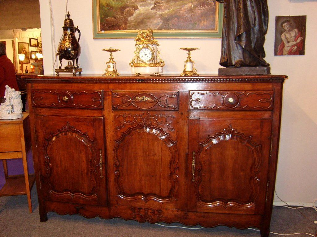 Sideboard With Two Doors.-photo-3