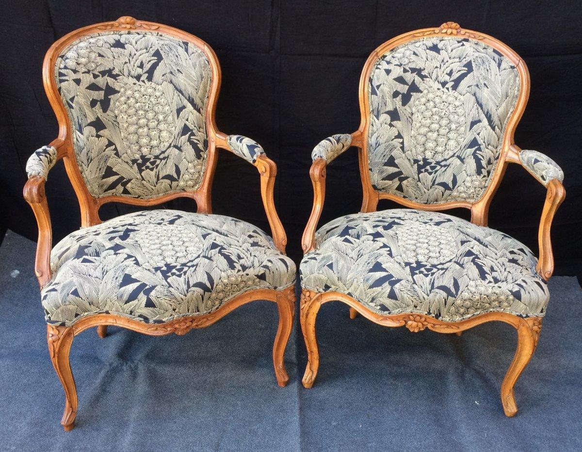 Deux Fauteuils Louis XV d'époque XVIII°