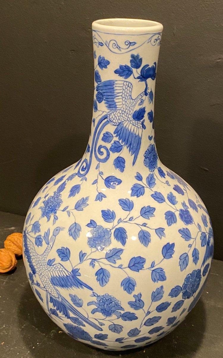 Vase Blanc à Décor Bleu .-photo-4