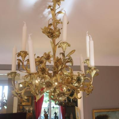 Chandelier With Ten Candles
