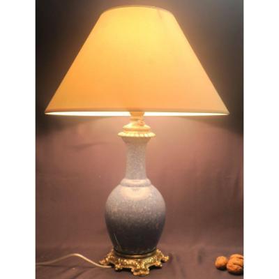 Lampe En Céramique Bleue Et Monture Bronze .