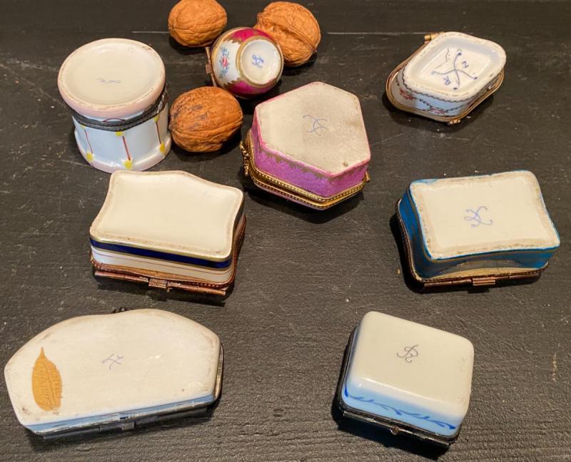 Collection De Petites Boites En Porcelaine-photo-3