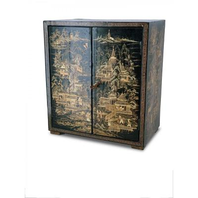 Small Chinese Cabinet In Black And Golden Lacquer, Nineteenth