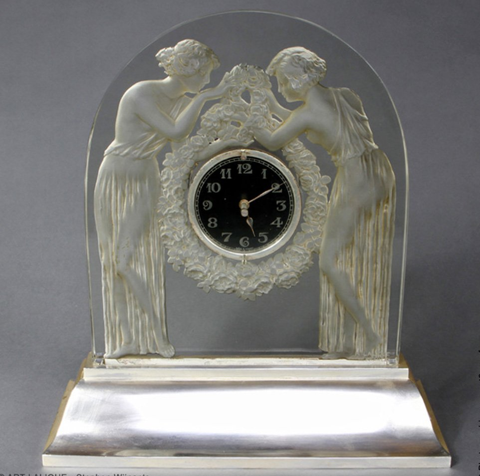 A Two Figurines  Clock Created By R.lalique In 1926.