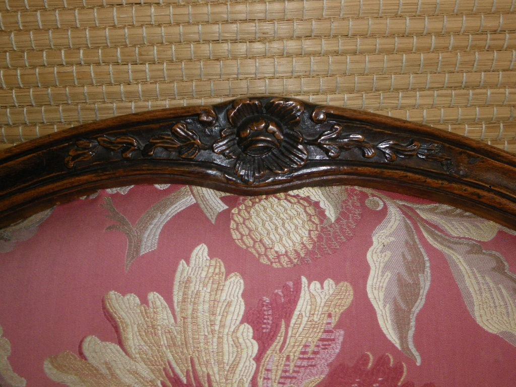 Large Fauteuil à châssis en noyer époque Louis XV Itaie XVIIIe-photo-4