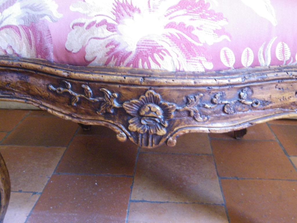 Large Fauteuil à châssis en noyer époque Louis XV Itaie XVIIIe-photo-5