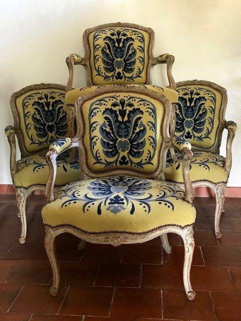 Suite de quatre fauteuils d'époque Louis XV estampillés L.C. Carpentier