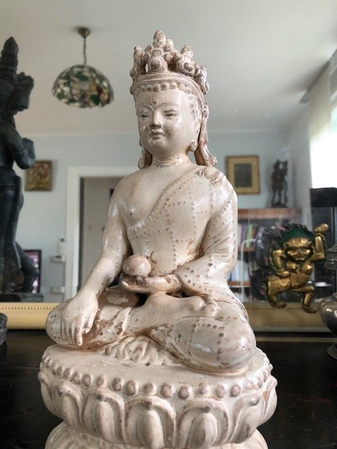 Bouddha, terre cuite vernissée de style Ming