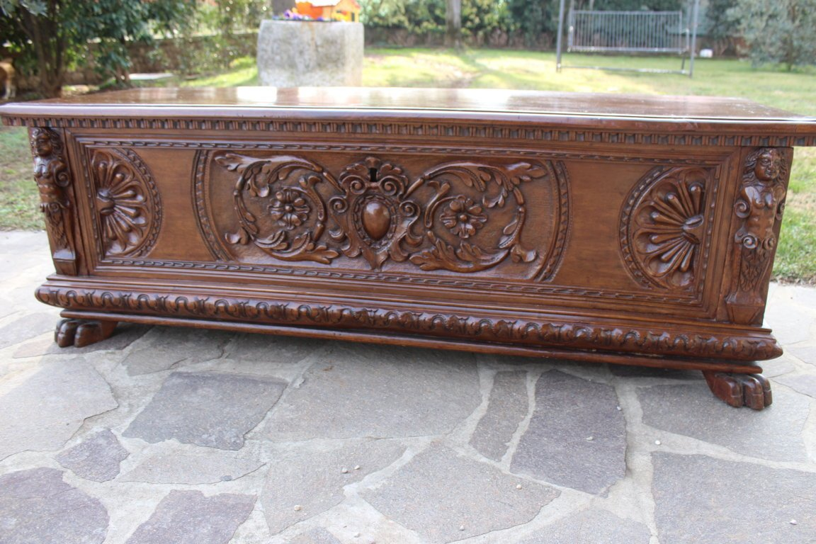 """Large Chest Said """"cassapanca"""" Italy Early 17th Century"""