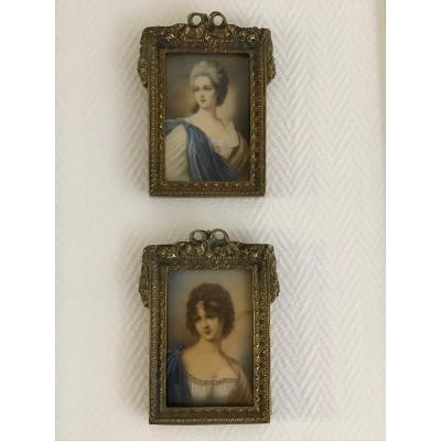 Pair Of Miniatures In A XIXth Bronze Frame Portrait XIXth Old Table