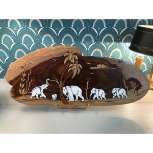 Objet De Curiosité Plaque De Décoration  Bois Avec Marqueterie Et Incrustation Ivoire éléphant
