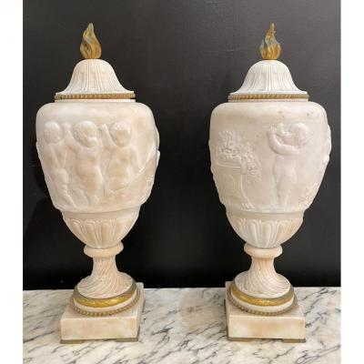 Pair Of Covered Vases In Marble And Gilt Bronze - Decor Of A Frieze Of Putti Playing
