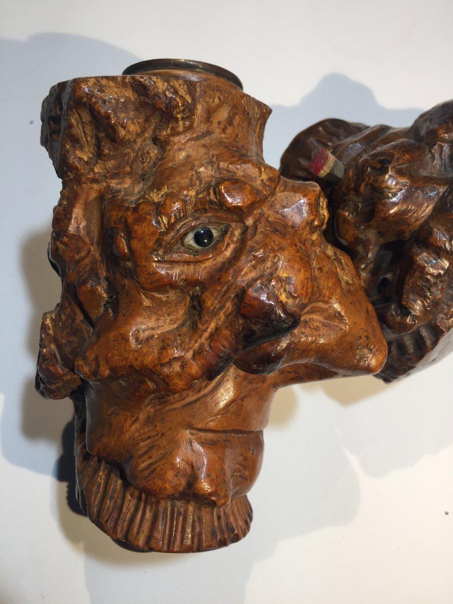 Fourneaux De Pipes En Racine De Bruyère Sculptée En Têtes De Grotesques -photo-1