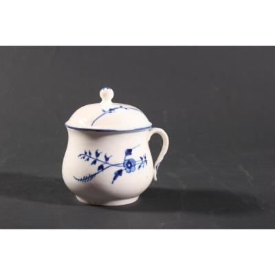 Pot à Créme, Porcelaine Tendre De Chantilly XVIIIéme