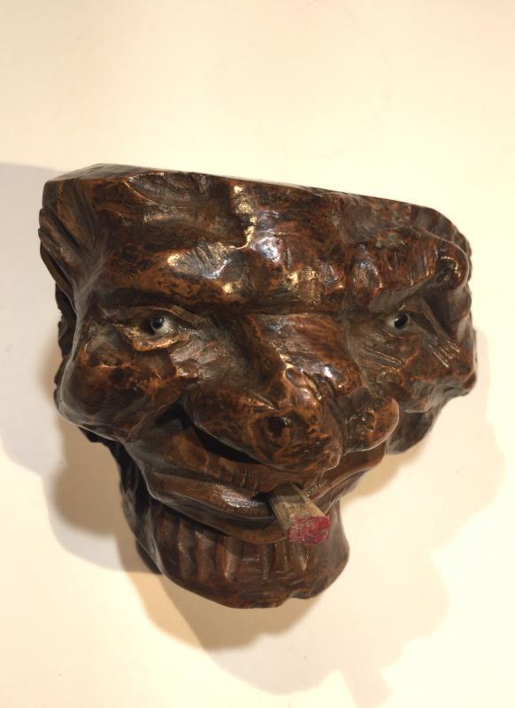 Fourneaux De Pipes En Racine De Bruyère Sculptée En Têtes De Grotesques -photo-4